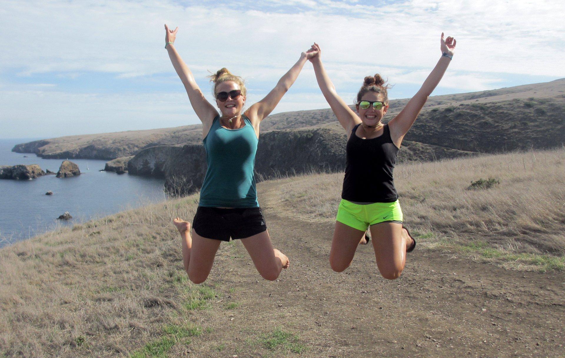 Stefanie Kuisle & Zeinab Greif hiking on Santa Cruz Island